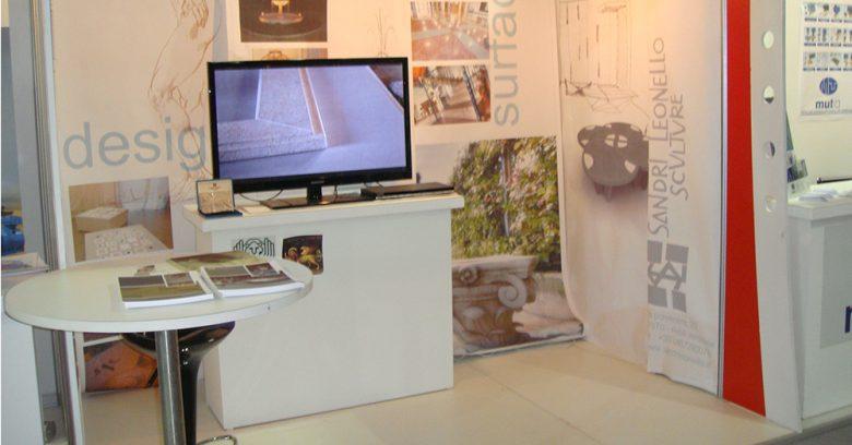 Stand dell'esposizione di Oscar Sandri per project iraq 2011