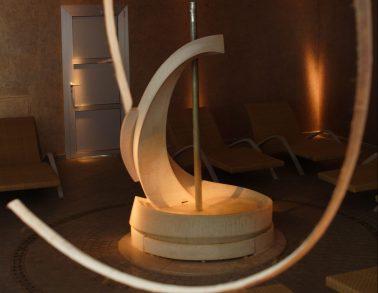 fontana design in marmo Trani di Oscar Sandri
